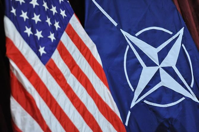 Немцы подвергли США и НАТО критике за попытки помешать миру на Украине