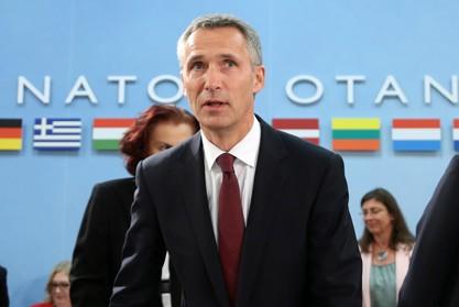 В НАТО понятия не имеют, куда отводят тяжелое вооружение в Донбассе