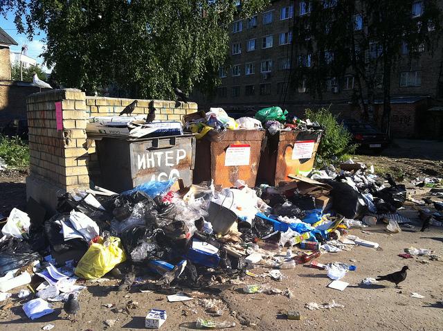Российские регионы захлебнулись в мусоре