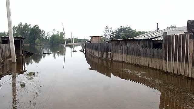 Река затопила 100 дворов в Приморье