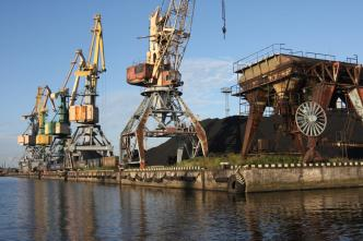 Латвия теряет грузы из России и прибыль