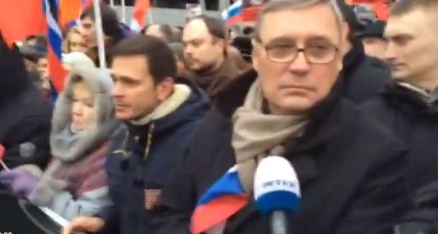 Друзья Немцова прогнали журналистов НТВ с марша