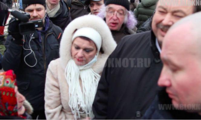 Гудков обсмеял нищую 99-летнюю старушку на похоронах Немцова