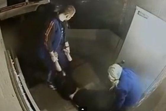Полиция Петербурга проверяет бригаду скорой по факту шокирующего видео