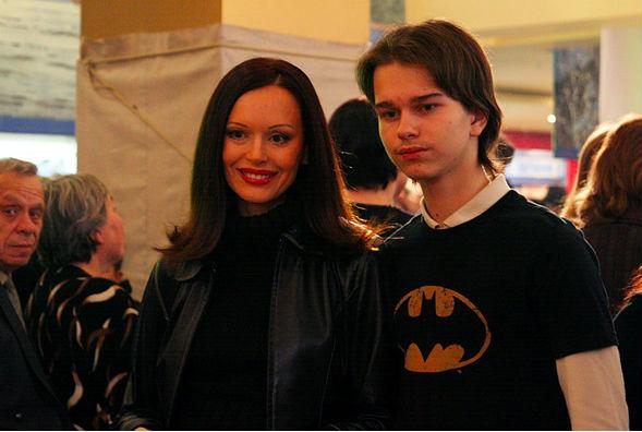 Ирина Безрукова срочно вернулась в Москву, узнав о смерти сына