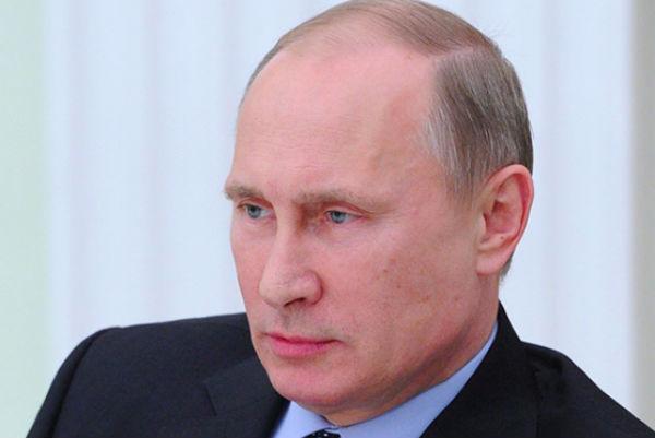 Путин потребовал от ФСБ безопасного празднования Дня Победы