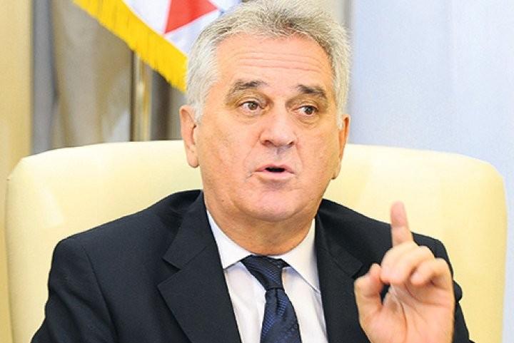 Президент Сербии попросил ЕС не указывать ему, ехать или нет на Парад Победы в Москву