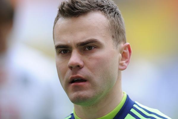 УЕФА компенсирует травмирование Акинфеева фанатами Черногории