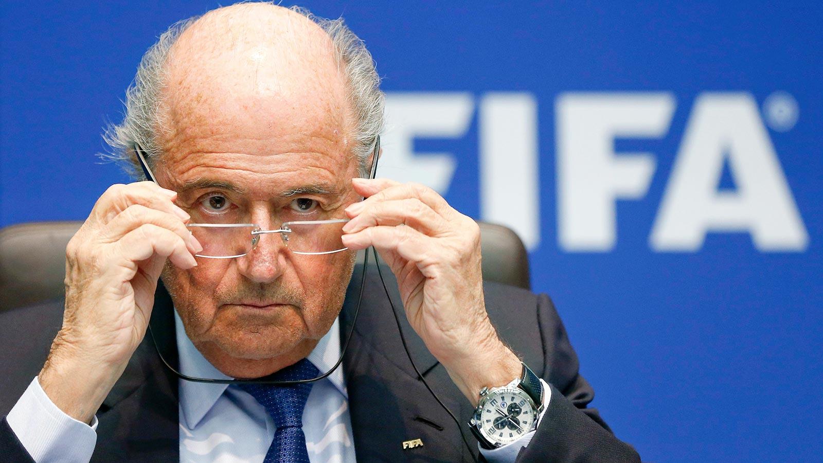 ФИФА грозит России санкциями из-за расизма