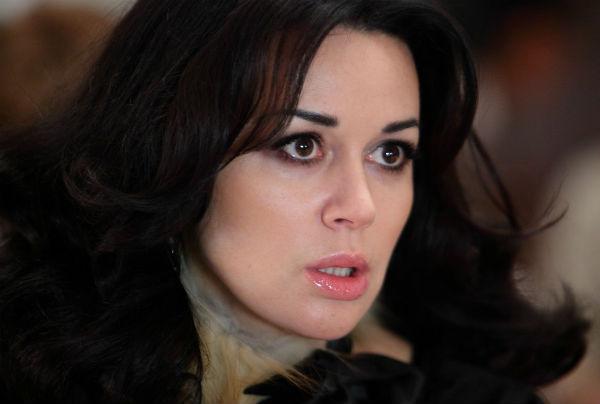 Анастасия Заворотнюк переписала недвижимость на родню, чтобы не выплачивать долг банку