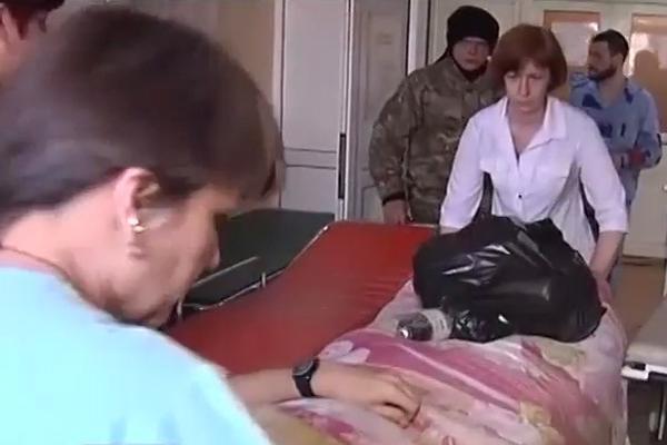 После таинственного боя в Мариуполь привезли раненых боевиков