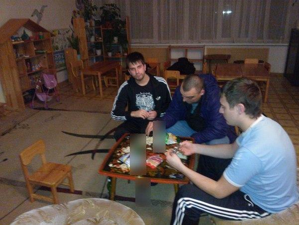 Пьяные мужчины устроили застолье в детском саду Челябинска