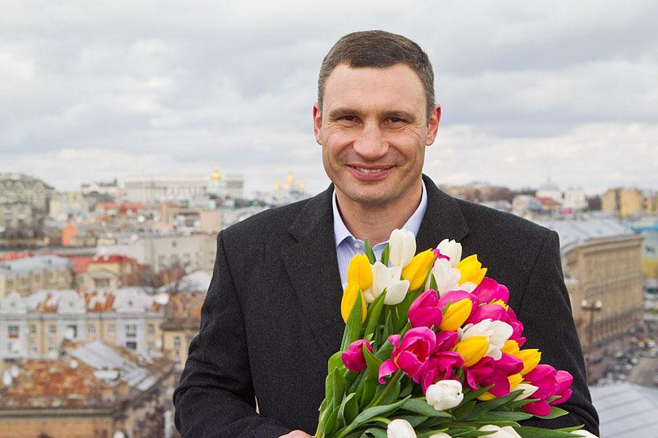 Кличко бегал за женщинами по Киеву
