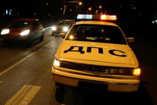 В Москве машина ДПС сбила нетрезвого мужчину