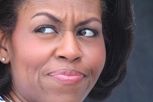 Ведущего уволили за сравнение Мишель Обамы с героями