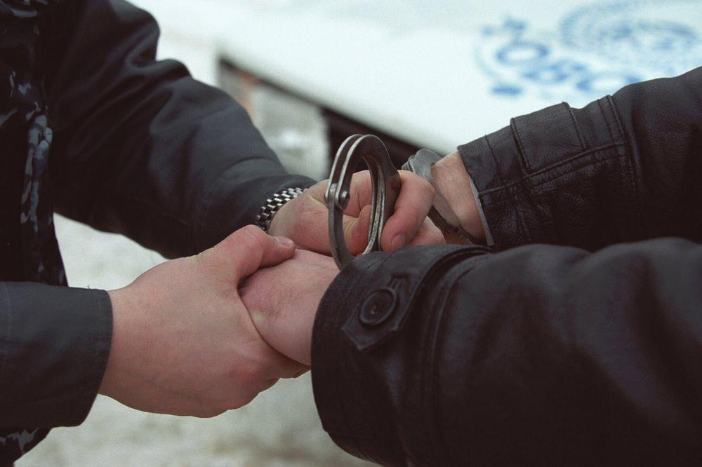 Житель Ленобласти начал душить годовалого сына во время празднования Дня народного единства