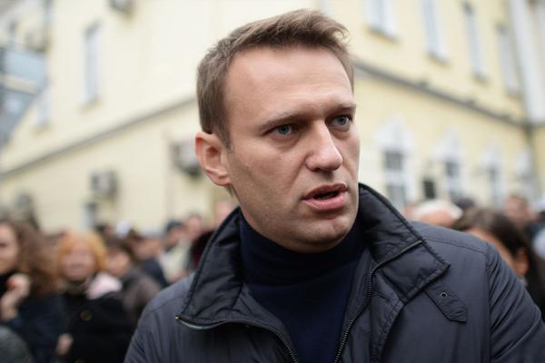 Навальный обжаловал отказ отпустить его на похороны Немцова