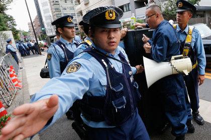 В Японии арестован угрожавший взорвать посольство США злоумышленник