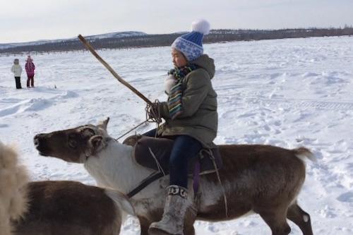 В Якутии в состязаниях оленеводов за победу поборолась ученица 4-го класса