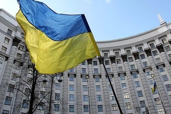 Правительство Украины обвинили в гонке за санкциями