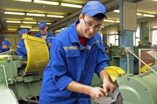 Правительство утвердило план популяризации рабочих и технических профессий