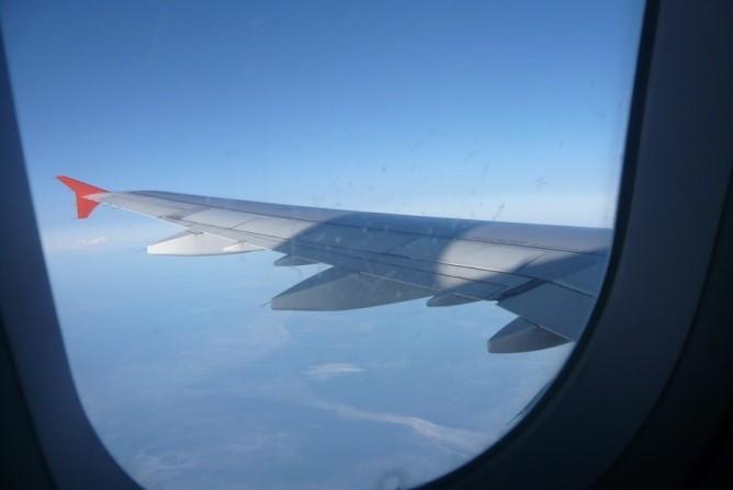 Самолет посадили в Красноярске из-за пьяной пенсионерки на борту