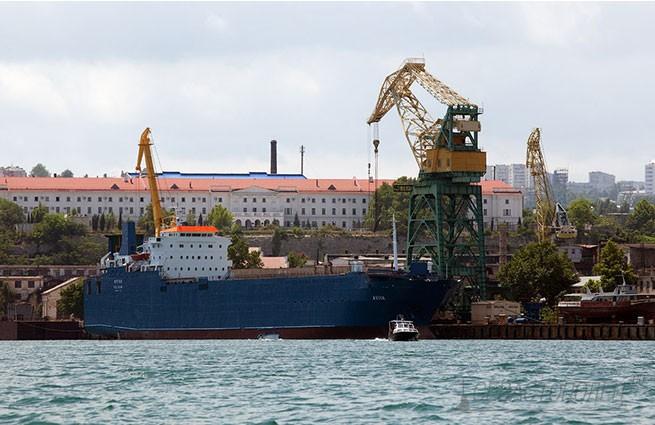 В Севастополе национализировали завод Порошенко