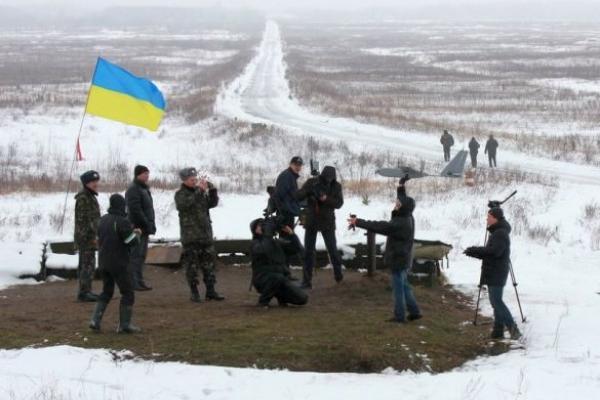 Защита Донецкого аэропорта и Дебальцево были идиотскими шагами, - эксперт из США
