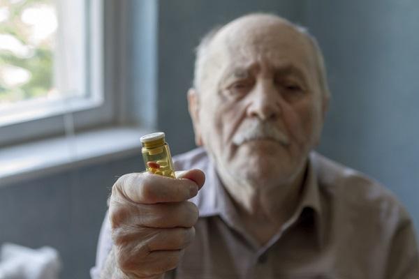 68-летний пенсионер купил