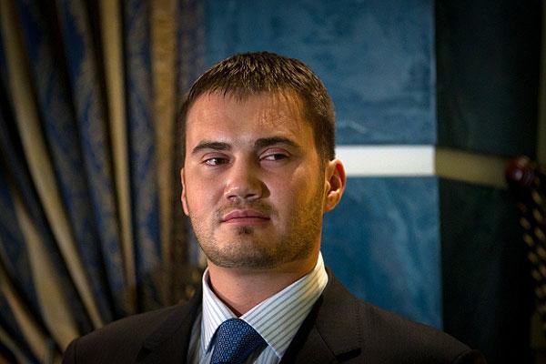 Сына Януковича похоронили в Крыму из-за матери