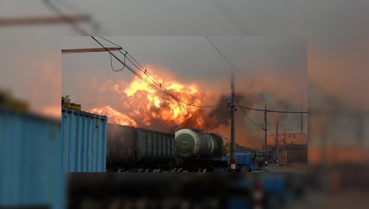 В Вологодской области горят цистерны с бензином