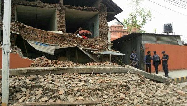 МИД Непала: Во время землетрясения погибли 758 человек