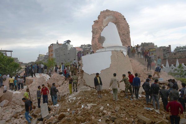 Сотрудник Google погиб на Эвересте из-за землетрясения в Непале