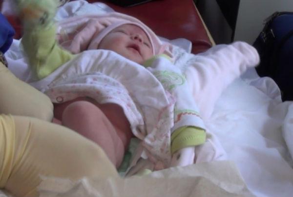 Полиция ищет родителей, бросивших малышку в парке Калининграда