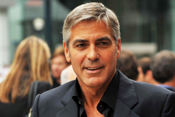Власти Италии запретили поклонникам Джорджа Клуни приближаться к его вилле