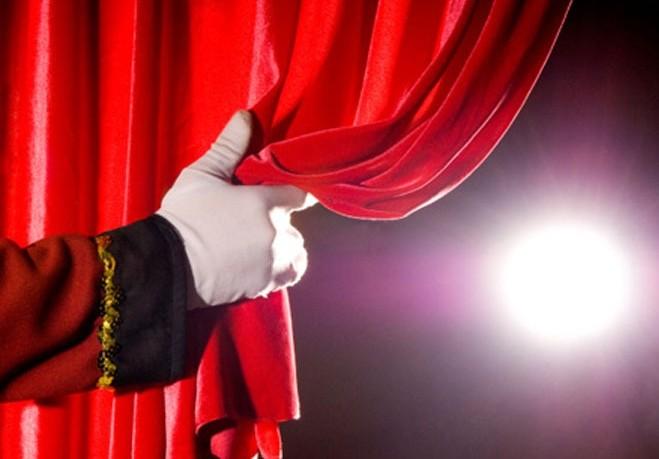 Российские театры встали на сторону Минкультуры в конфликте вокруг