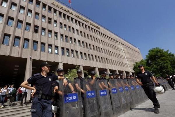 В Турции задержали более 30 военных, подозреваемых в шпионаже