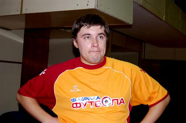 Украинский комментатор скончался на поле, играя в футбол