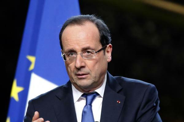 Олланд заявил, что французы имеют право смеяться над религией