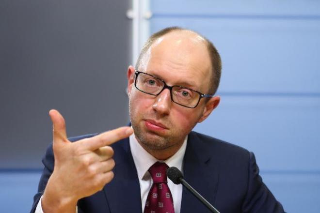 Яценюк: Мира в Донбассе не будет