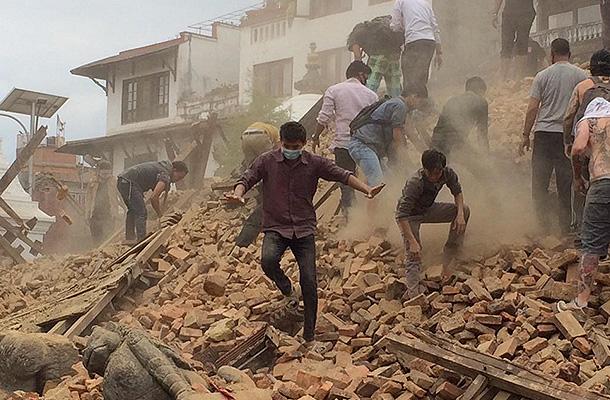 Во время землетрясения в Непале пропали 15 россиян