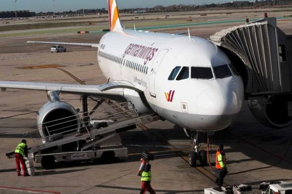 Россиян впечатлили новости о крушении Airbus A320 и о продолжении боев в Донбассе