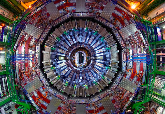 Между Францией и Швейцарией вновь запущен Большой адронный коллайдер