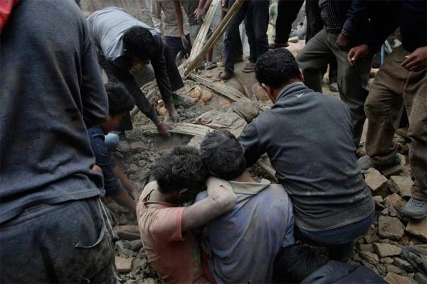 В Непале объявлен трехдневный траур по погибшим в результате землетрясений