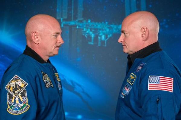 NASA намерено разделить космонавтов-близнецов на целый год