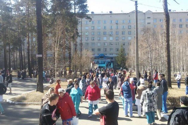 Из-за сообщения о заложенной бомбе в Чите из больницы эвакуировали более тысячи человек