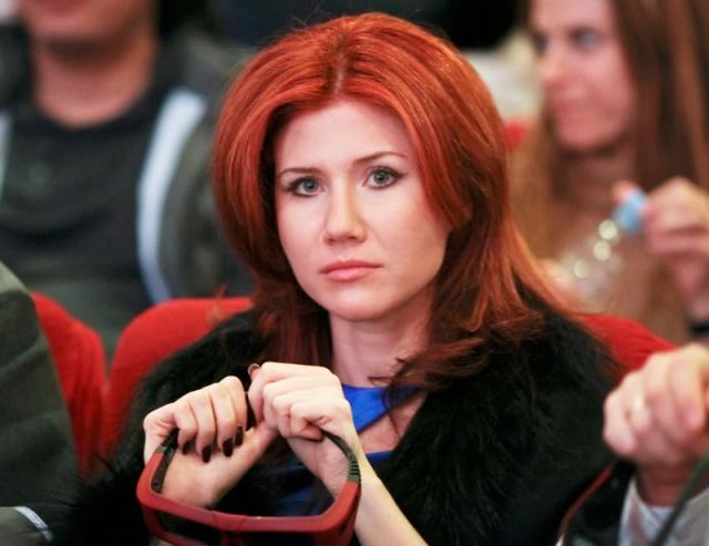 Роскосмос спасет Анну Чапман за 66 миллиардов рублей