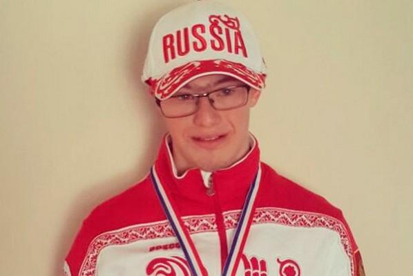 Внук Ельцина с синдромом Дауна победил на ЧЕ по плаванию