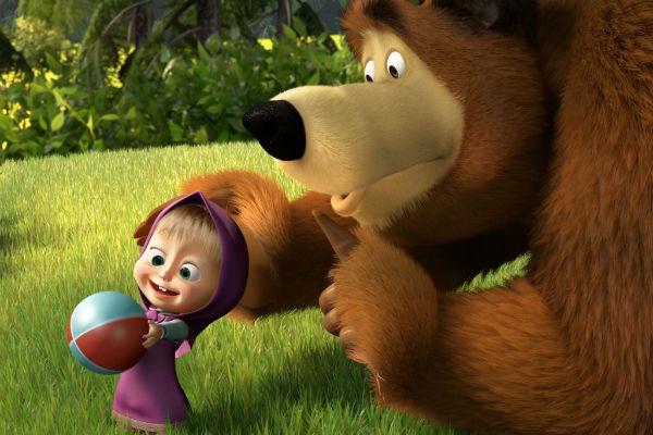 Второй сезон мультсериала «Маша и медведь» покажут на английском ТВ