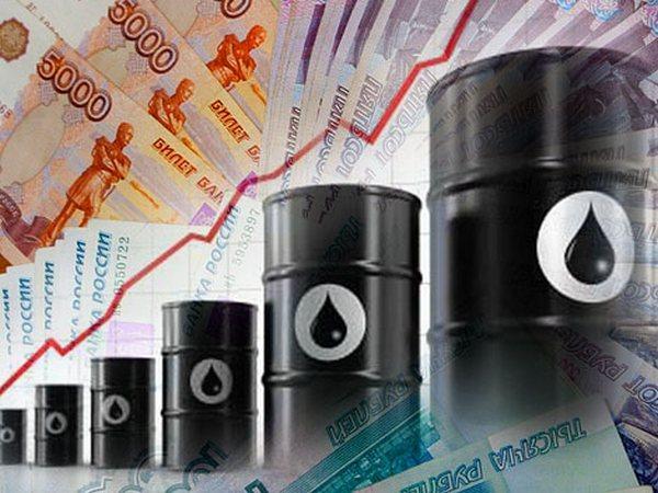Рубль продолжает удивлять, как и нефть